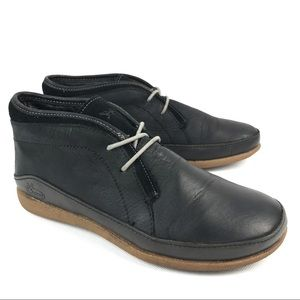 Chaco women's Leather Chukka in Black size 7
